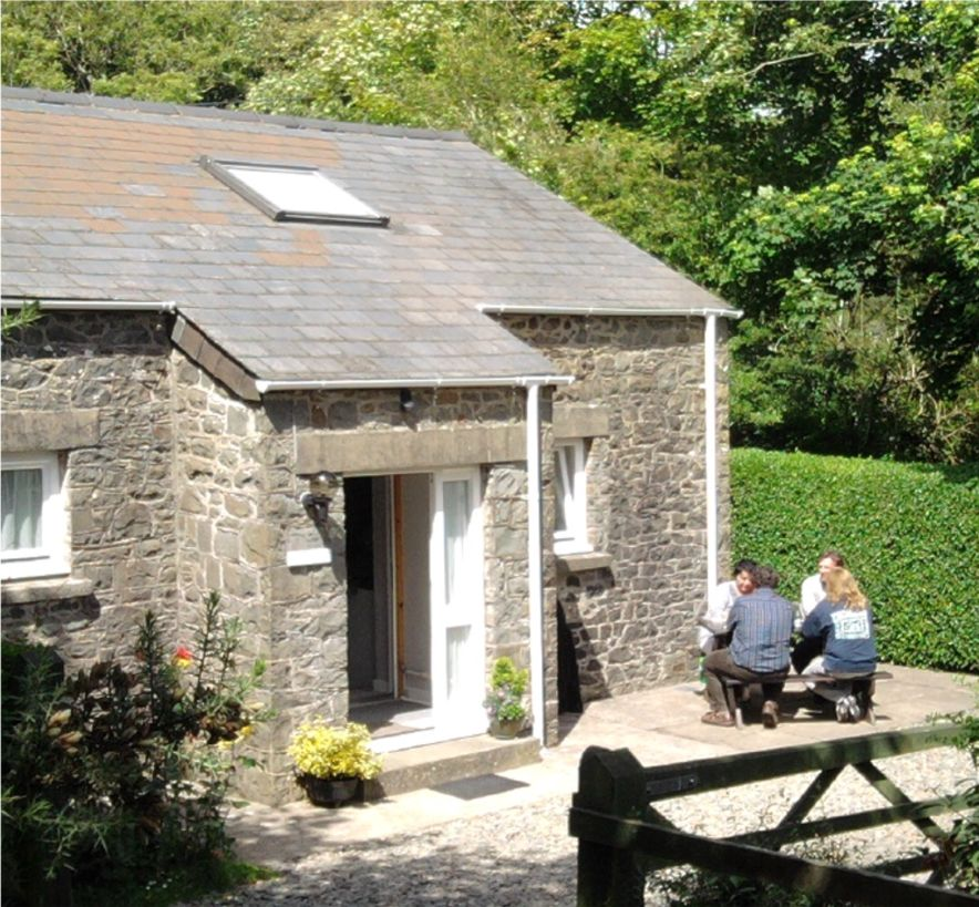 Ty'r Pwmp Holiday Cottage